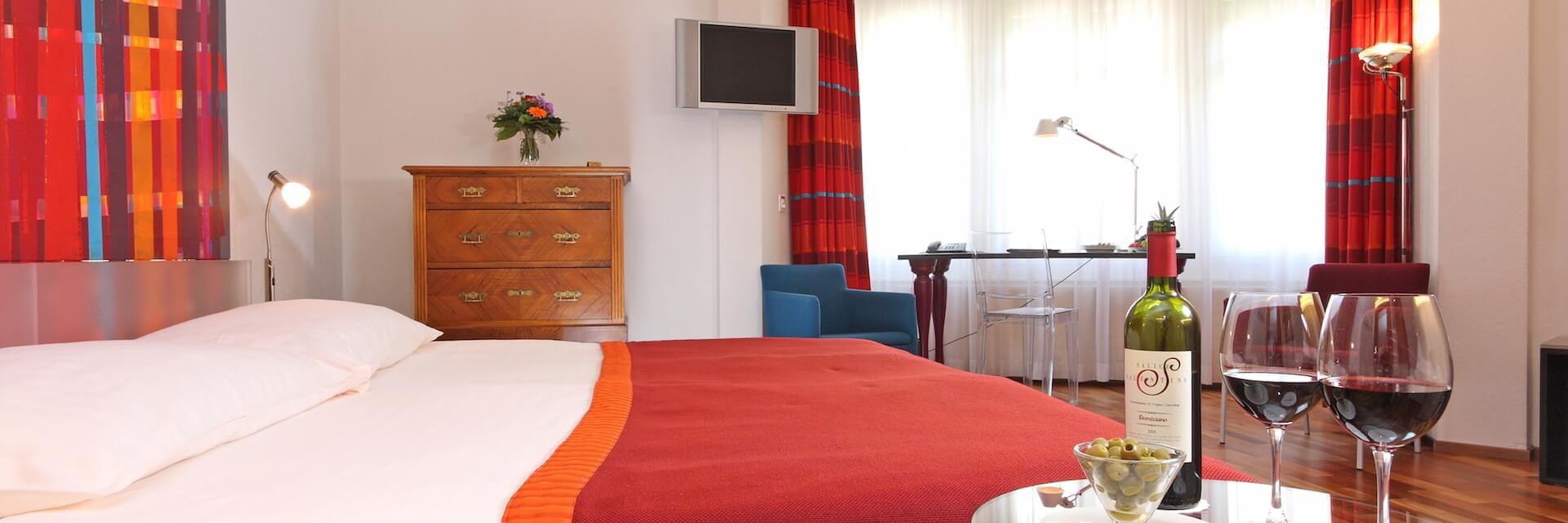 Delightful Rooms And Suites At Hotel Waldstätterhof Lucerne.